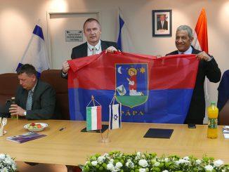 פאפא שבהונגריה מקדמת יחסי ידידות עם אילת